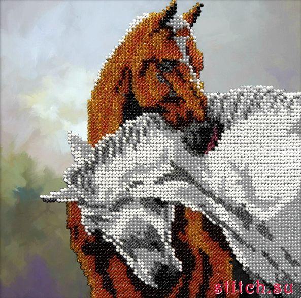 Лошади вышитые бисером