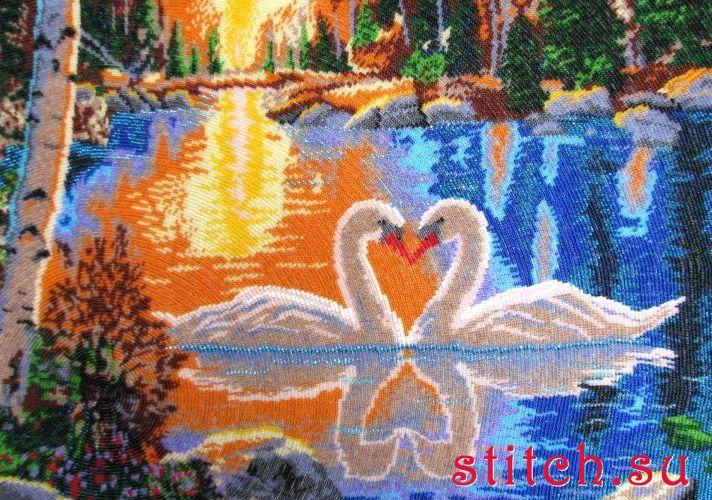 Вышиваем бисером лебеди на