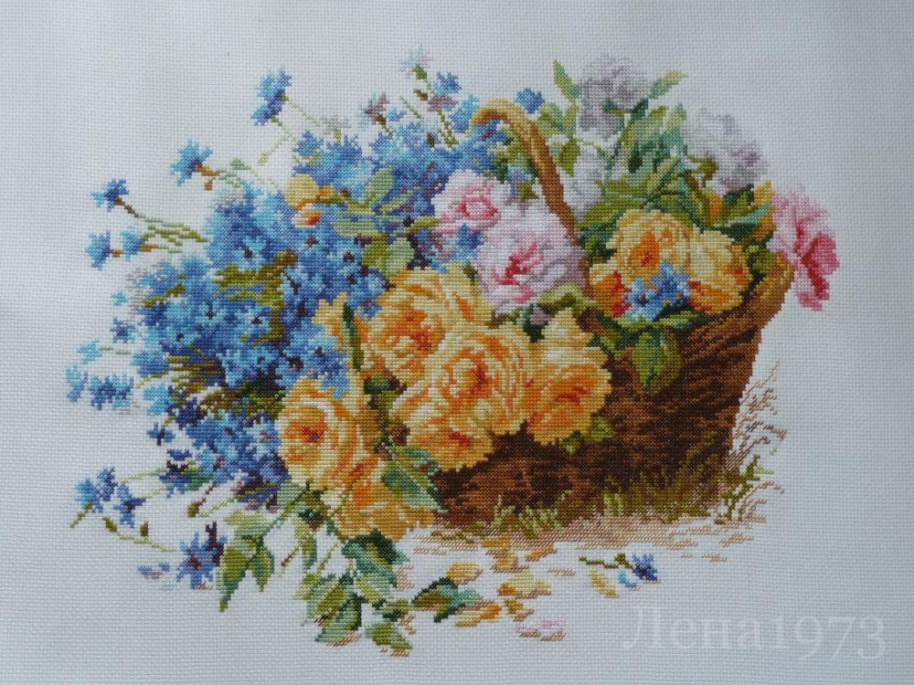 Вышивка крестом цветы Техника.  Розы и васильки.  Вышивка нитками -мулине Гамма.  720руб.  2-27 Алиса.