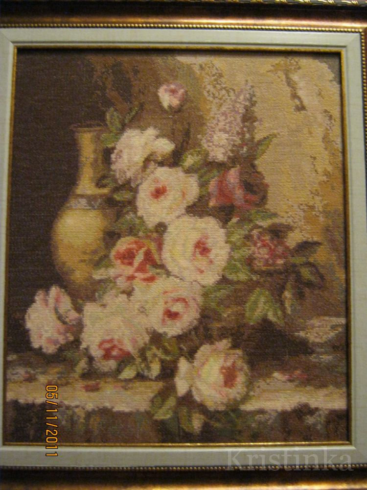 Готовая вышивка мраморные розы