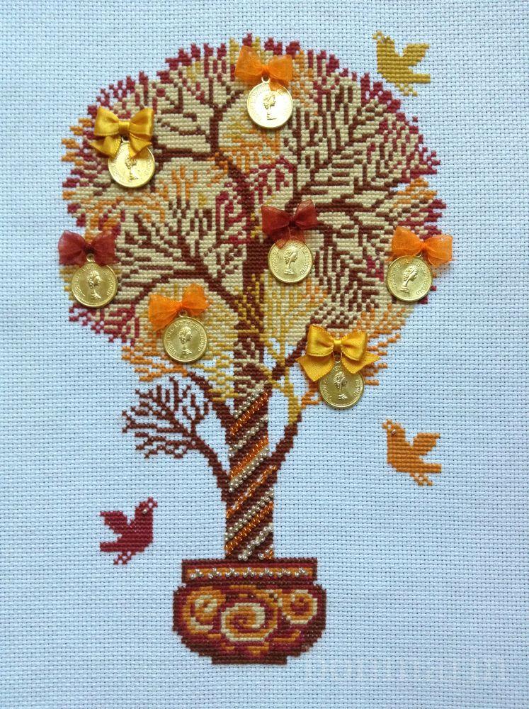 Работа пользователя.  Комментарий: Риолис (1294) Денежное дерево.  Процесс очень понравился.  А вот бант в основании...