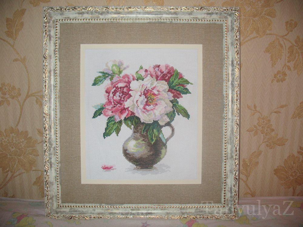 Вышивка цветущие пионы
