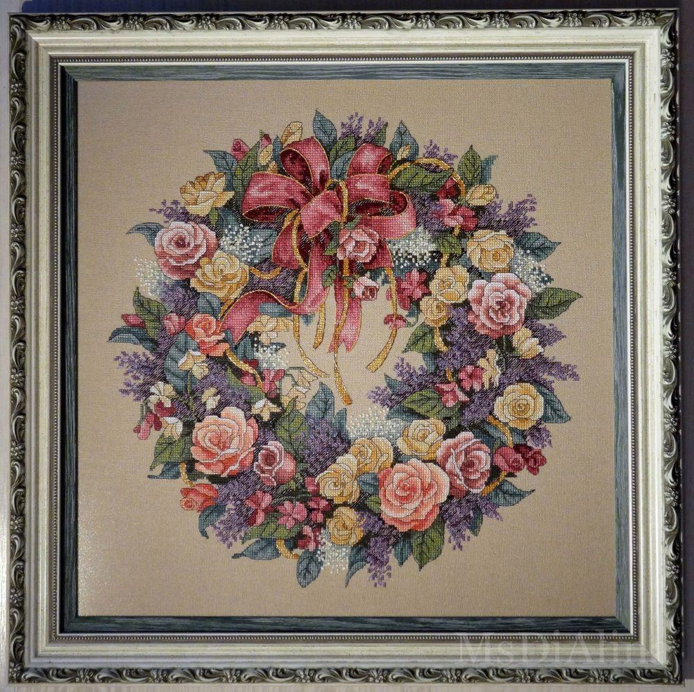 Венок с розами вышивка дименшенс