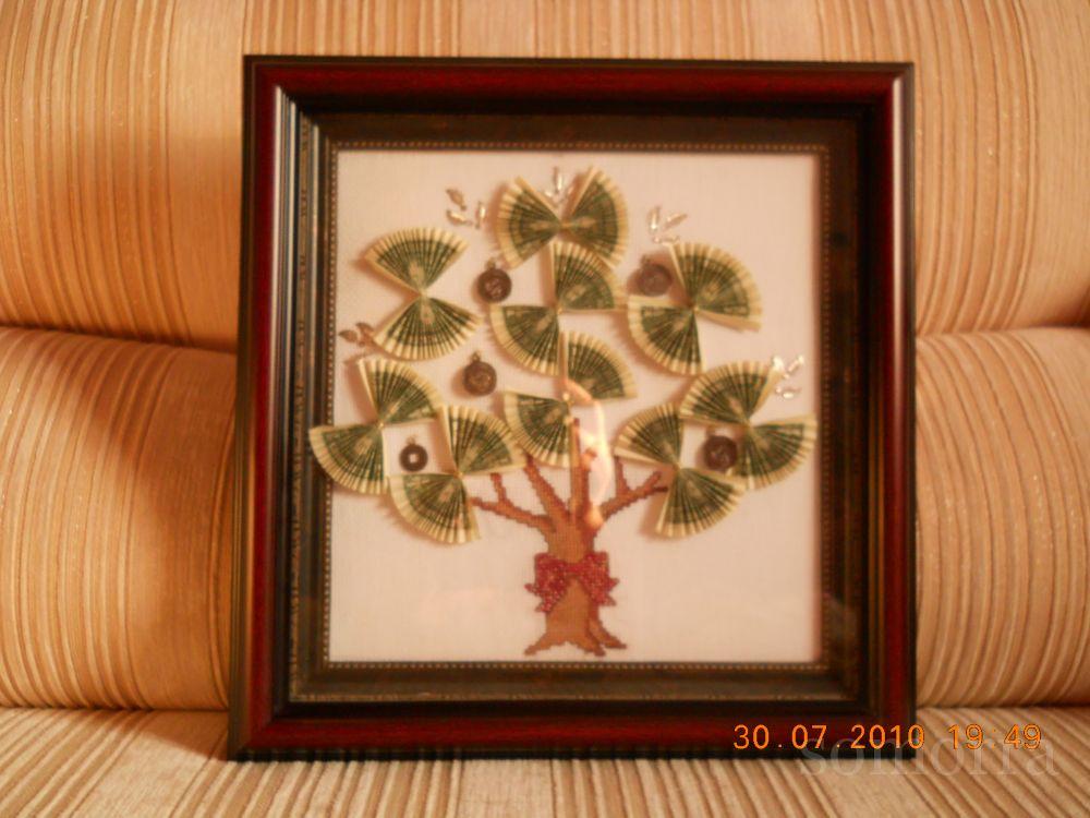 Денежное дерево.Вышито в подарок.Увидела у девочек на форуме, схему нарыла в инете. somorra.