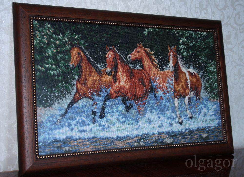 Вышивка бегущие лошади схема