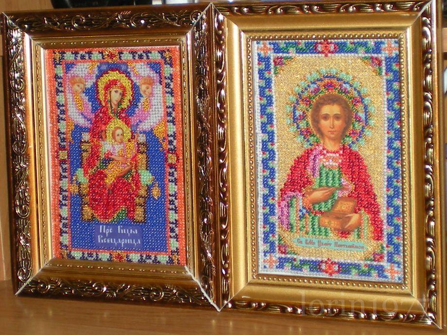 Работа пользователя. lorin1977.  Комментарий: Иконы Всецарица (Пантанасса), Святой Пантелеймон Вышивала моя мама.