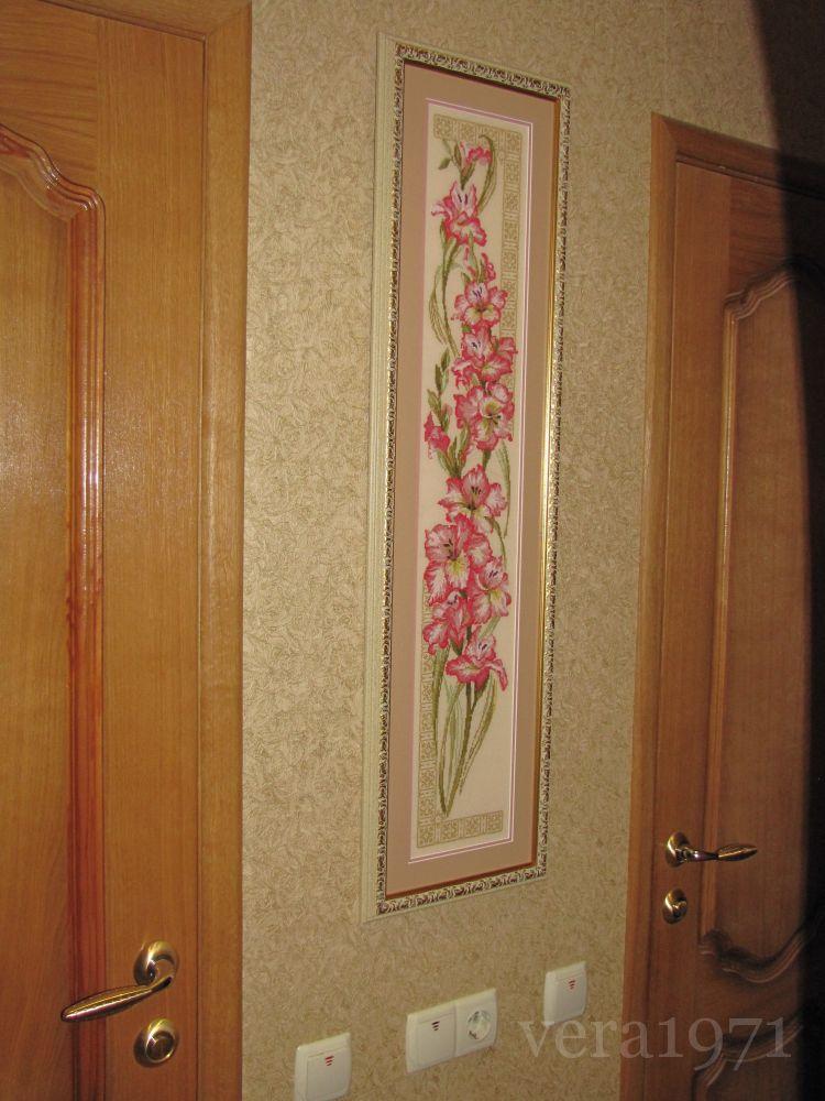 Работа пользователя.  Комментарий: Гладиолусы от Риолис Очень приятно работать с шерстью.Схема качетвенная,цветная.