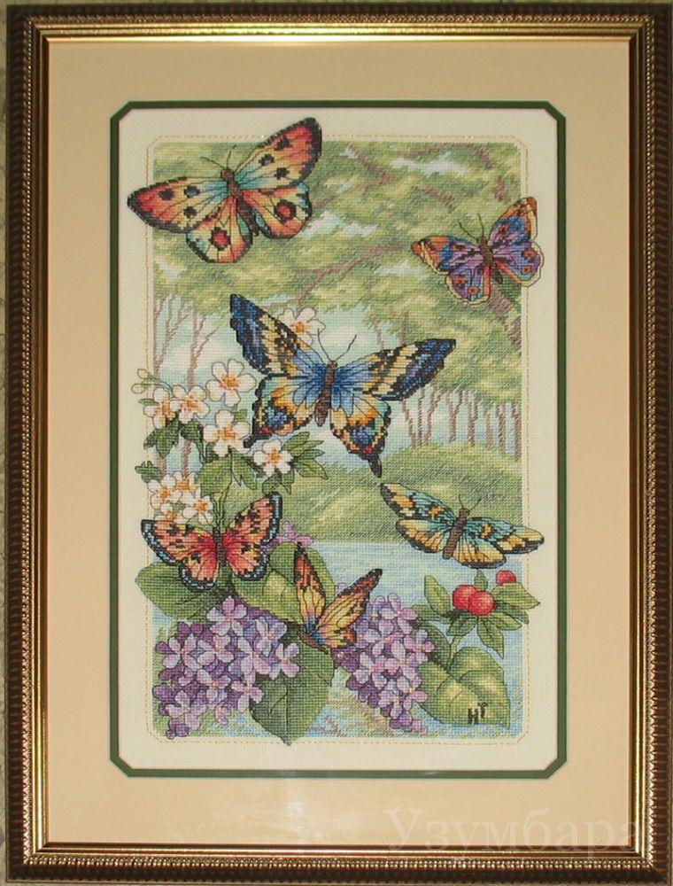 Готовая вышивка бабочек