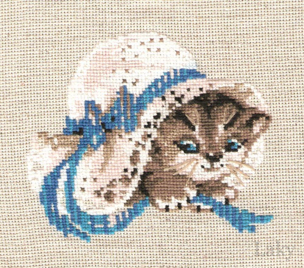 Вышивка кошка в шляпе 69